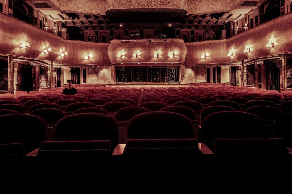 architecture-auditorium-chairs-109669